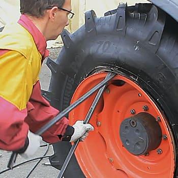 Montage pneu agricole